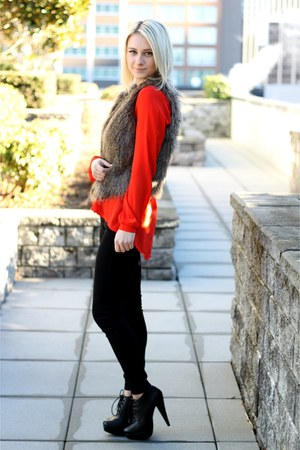 bright red Forever 21 blouse - black jeggings American Eagle pants