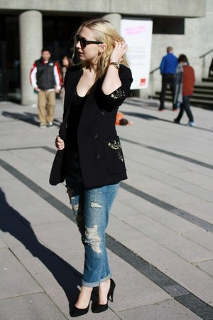black escada jacket - sky blue Zara jeans - black shoemint heels