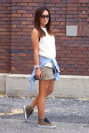 dark khaki Gap shorts