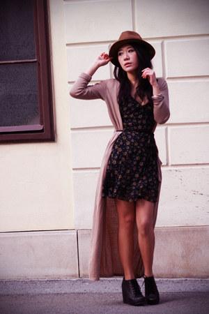 black kate moss Topshop dress - light brown H&M hat - camel maxi asos cardigan -
