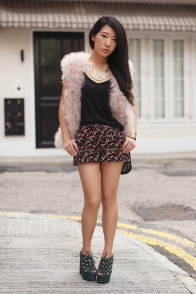 forest green Topshop wedges - light pink Zara vest