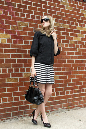 white Motel Lilly skirt - black H&M jacket - black Leo Ventoni bag