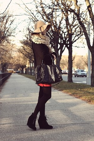 camel Magid hat - black free people coat - navy Gilly Hicks sweater