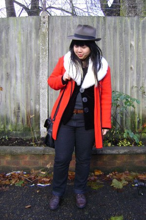 charcoal gray vintage hat - white vintage cardigan - ruby red vintage jaeger coa