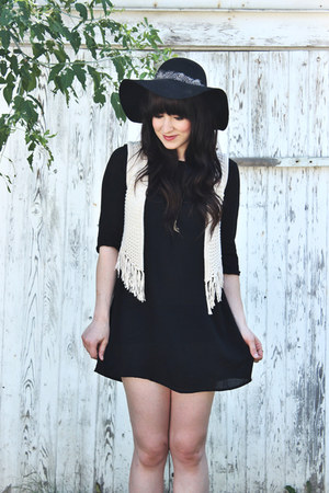 knit Ya LosAngeles vest - leather Aldo shoes - rayon American Apparel dress