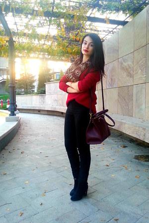 crimson Stradivarius sweater - black Bershka shoes - tawny scarf
