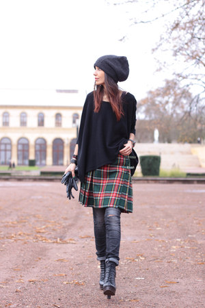 vintage skirt - Gstar jeans - H&amp;M hat - Ekyog sweater - Jeffrey Campbell heels
