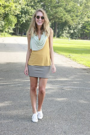 madewell skirt - Urban Outfitters scarf - Krewe du Optic sunglasses