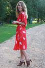 Red-vintage-dress-brown-bandolino-sandals
