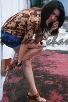 cheetah print blouse - jeans short shorts - black belt - bangles bracelet