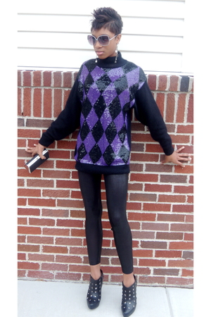 purple thrifted sweater - black Target leggings - black thrifted purse - black V