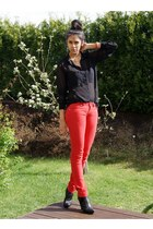 red Cubus jeans - black sheer lindex shirt - gold vintage accessories