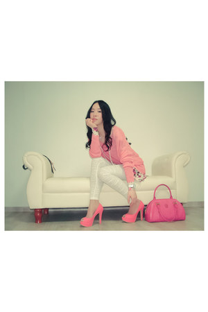 bubble gum soft leather unknown brand shoes - hot pink leather MCM bag