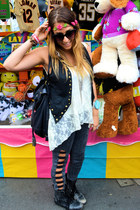 River Island boots - Topshop jeans - Urban Outfitters sunglasses - lace katwalk 