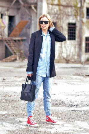 H&M blazer - Pull & Bear jeans - H&M shirt - Zara bag - Converse sneakers
