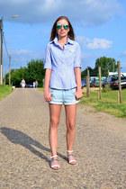 JBC shirt - H&M shorts - Ray Ban sunglasses - Zara sandals