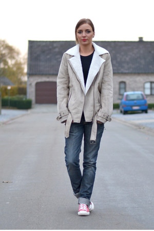 H&M jacket - Converse shoes - Zara jeans