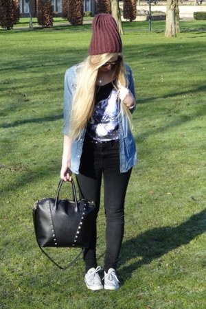 blue denim H&amp;M blouse - black H&amp;M jeans - crimson beanie H&amp;M hat
