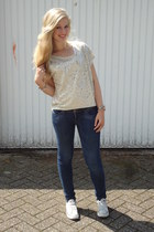 H&M jeans - beige H&M top - off white Converse sneakers