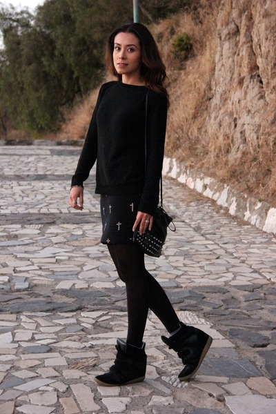 black pull&bear sweater - black Bershka bag - black Bershka skirt