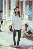 vintage shirt - GU jeans - emanuel ungaro bag - suede H&M pumps