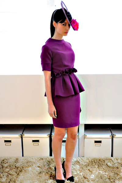 puce Boüret hat - puce Boüret dress