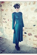 forest green VIRVIN dress - black VIRVIN hat - black Christian Loubotin heels