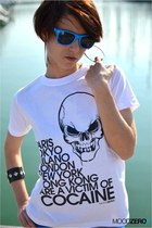 blue sunglasses - white moodzerocom t-shirt - black bracelet - silver earrings