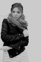 Zara scarf - Zara jacket - H&M t-shirt