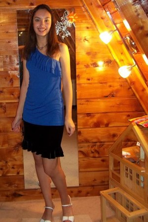 one shoulder top - black skirt - white heels