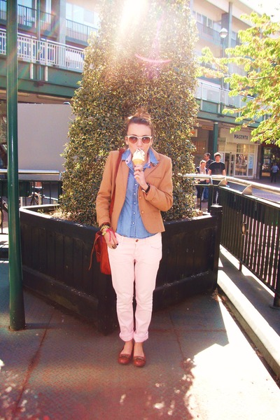 light pink jean H&amp;M jeans - nude tweed thrifted blazer - light blue denim Newloo