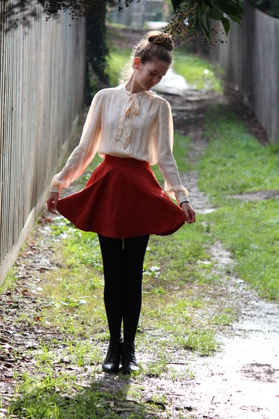 fake suede angel biba skirt - leather Sandler boots - Windsmoor shirt