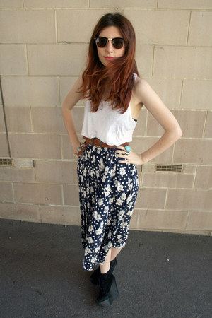 Topshop wedges - thrifted vintage skirt - H&amp;M vest - Topshop glasses