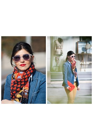 Stradivarius jeans - denim Zara blazer - Zara scarf - Zara bag - Mango glasses