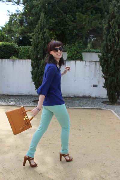 tawny Boohoo bag - aquamarine Stradivarius jeans - tawny Stradivarius heels
