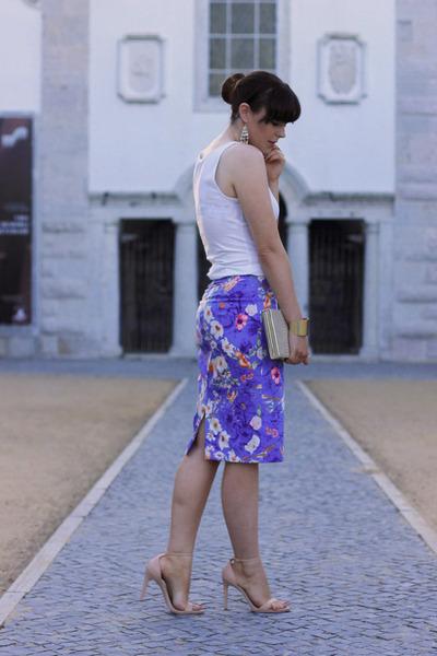 blue Zara skirt - eggshell Parfois bag - white H&M vest - beige Zara heels