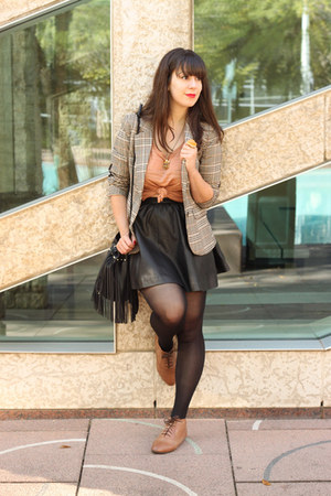 black faux leather H&M skirt - beige H&M blazer - nude H&M top