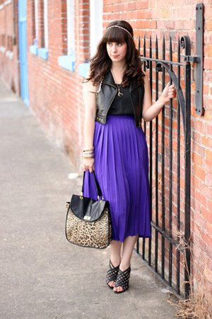 deep purple vintage skirt - Forever 21 bag - black BCBG heels