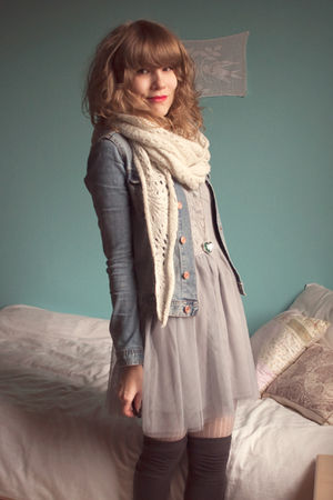 white H&M scarf - gray Dixi dress - blue H&M jacket - beige Pimkie leggings