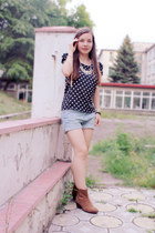 cream OASAP necklace - bronze Mango boots - sky blue romwe shorts - green blouse