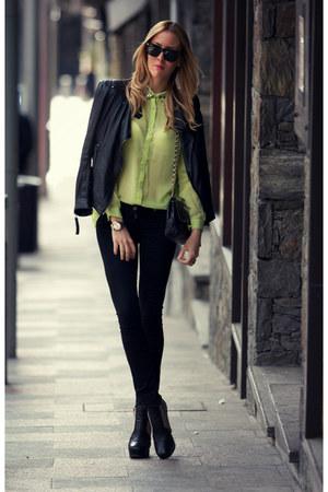 Goldie London blouse - sam edelman boots - justusa jeans