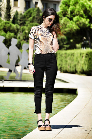 Mr Gugu & Miss Go t-shirt - asos pants