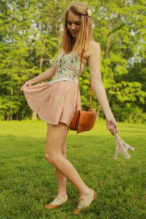 light pink high waisted H&M skirt