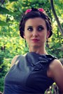 Heather-gray-le-chateau-dress-bubble-gum-hair-ardene-accessories