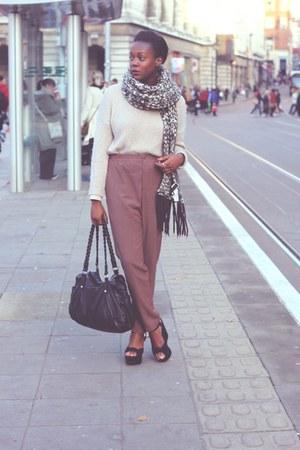 Zara scarf - Marks and Spencer shirt - H&M bag - H&M pants - H&M jumper