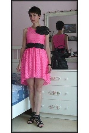 black fake leather H&amp;M belt - hot pink lace H&amp;M dress