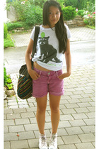 Zara t-shirt - Zara shorts - Converse shoes - Pimkie purse