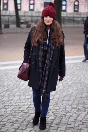 Zara jeans - Mango coat - Zara hat - Zara scarf - Urban Outfitters bag