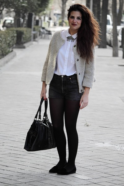 Zara coat - Pull & Bear shirt - Zara bag - Levis shorts - Zara flats