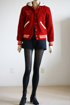 Ruby-red-vintage-from-wemovevintage-jacket